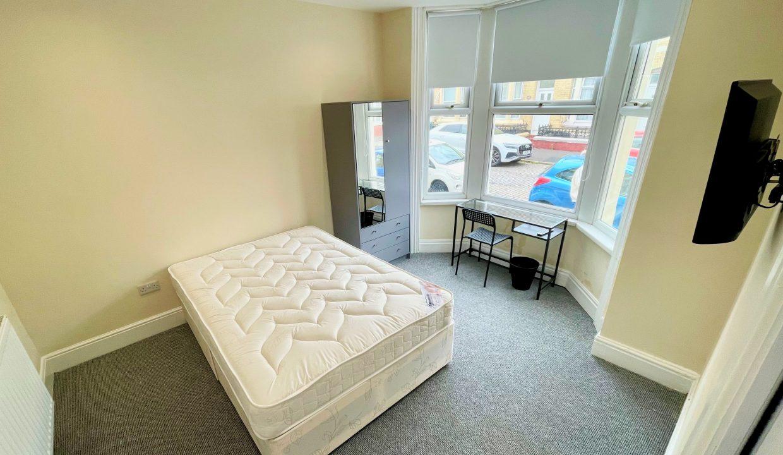 30 Bedroom 1