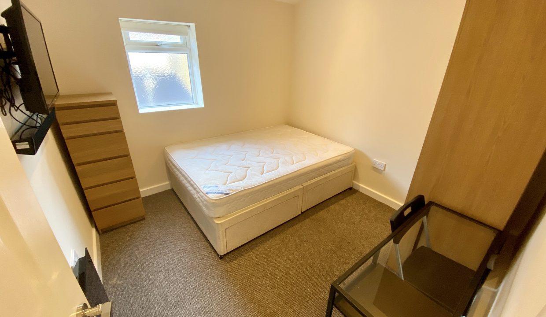 123 bedroom 2